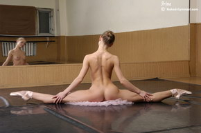 flexible babes get stretched