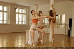 nude russian ballerinas