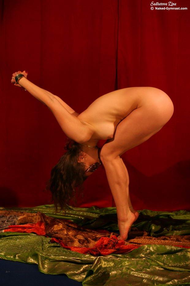 sweet flexible nude ballerinas