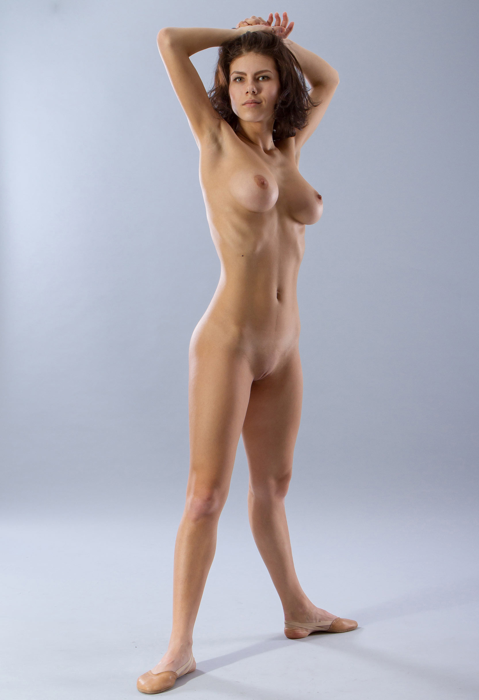 naked girl standing up video